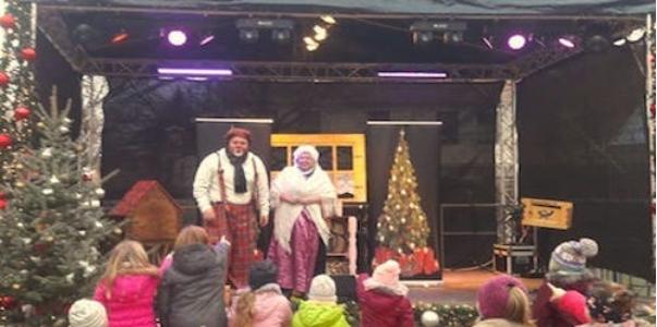 Clown Clownikuss und Frau Holle bei Weihnachten in Familie