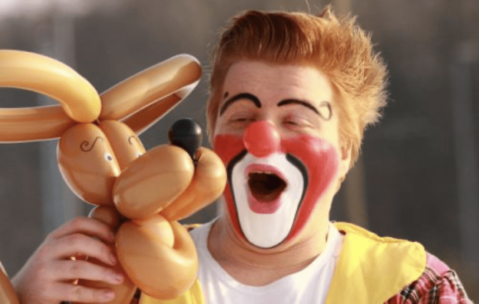 """Clown Clownikuss bei der Show """"Reise um die Welt"""" beim Gemeindefest, Stadtfest oder in der Kita"""